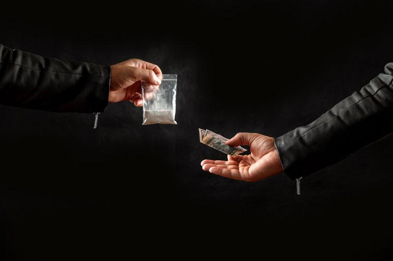 האם ומתי יכול שוטר לערוך חיפוש סמים בגופך?