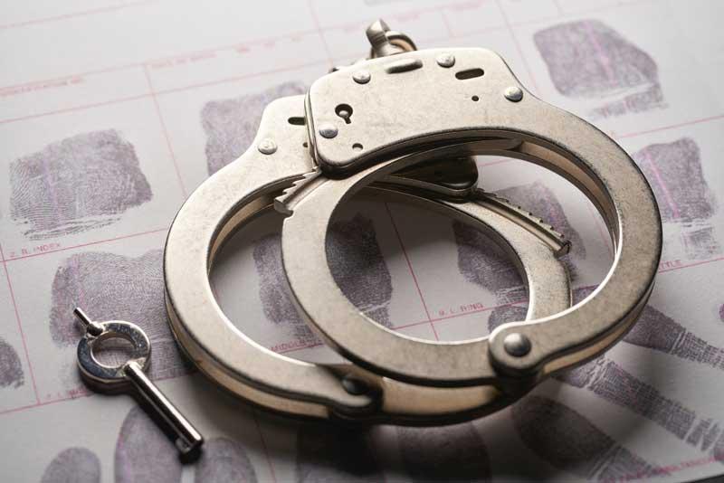 נחקרת במשטרה בגין שימוש בסמים – מה צפוי לך?