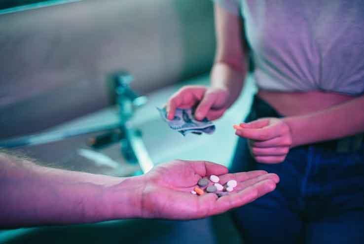 אתה חשוד בעבירת תיווך בסמים? כך תפעל
